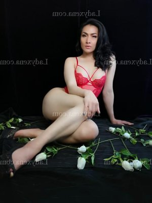 Hannia sexemodel escorte girl