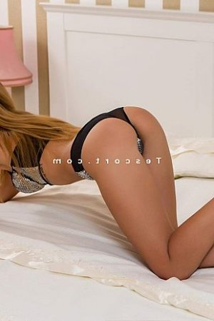 Safiyyah massage escort girl à Ceyrat