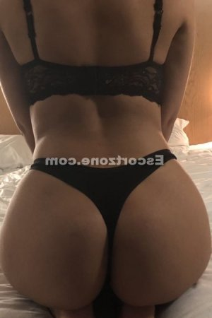 Adjila escorte trans massage érotique à Cournon-d'Auvergne
